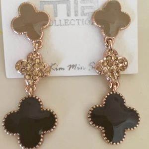 Brown Clover Dangling Earrings